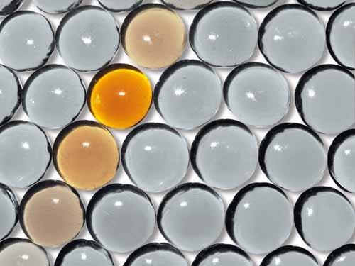 fond_texture_billes_verre_jaune_gris_degrade_kazy balls